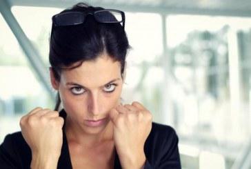 15 کار برای شعله ور کردن حسادت دختران