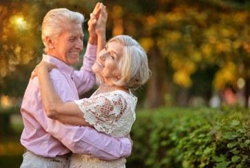 چرا بعد از 40 سالگی شاد تر می شویم؟